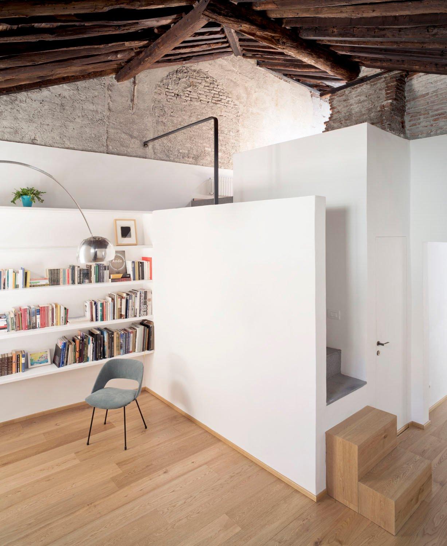 Ein Piranesi-inspirierter Dachgeschossumbau von Dodi Moss in Genua