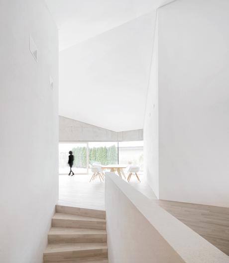 Ungewöhnliches Einfamilienhaus von Steimle Architekten