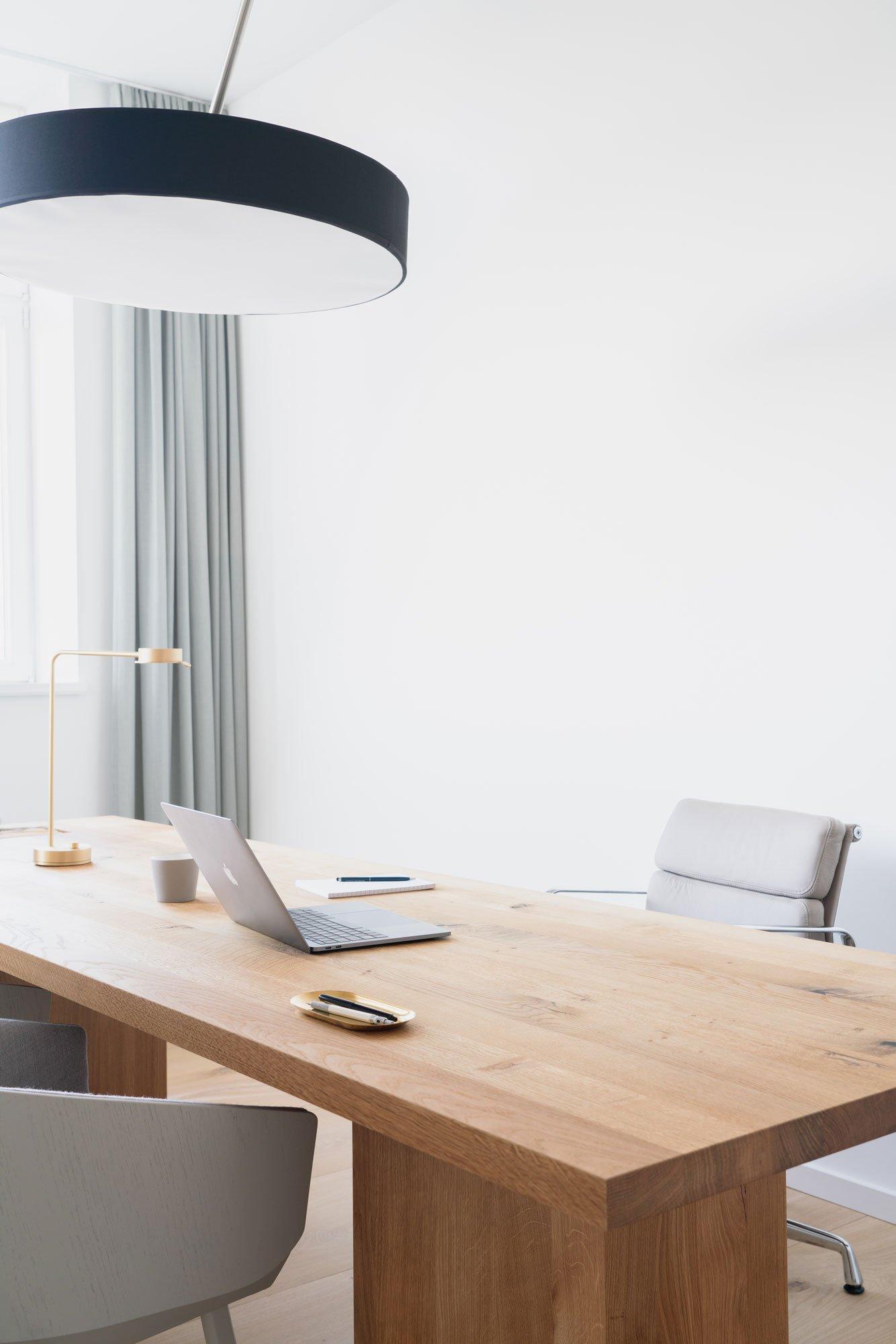 Wohnliches Büro in Charlottenburg von BBPA und Patrick Batek