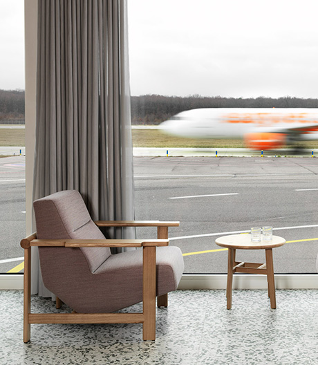 Mondäner Pavillon am Genfer Flughafen von Frédéric Dedelley