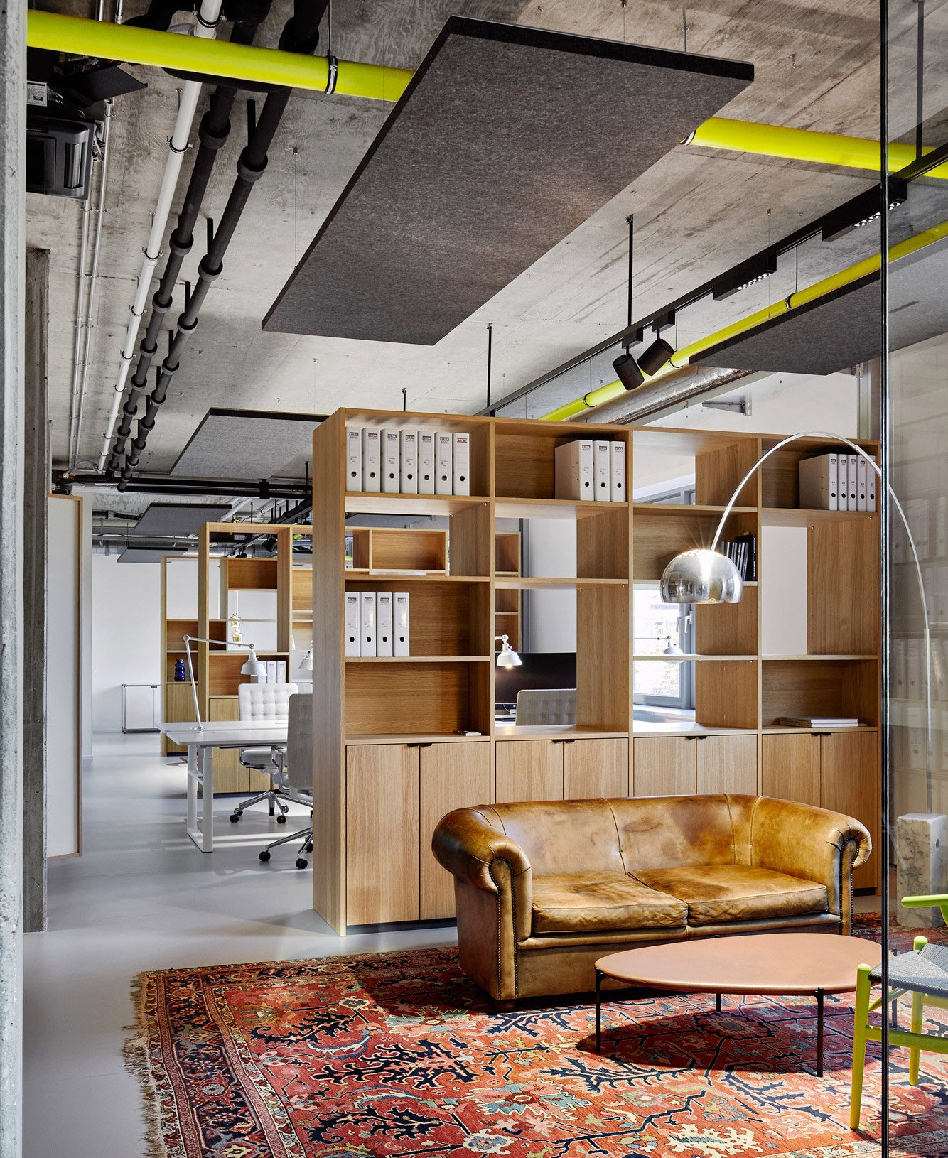 Transparentes Office von Ply Atelier in Hamburg