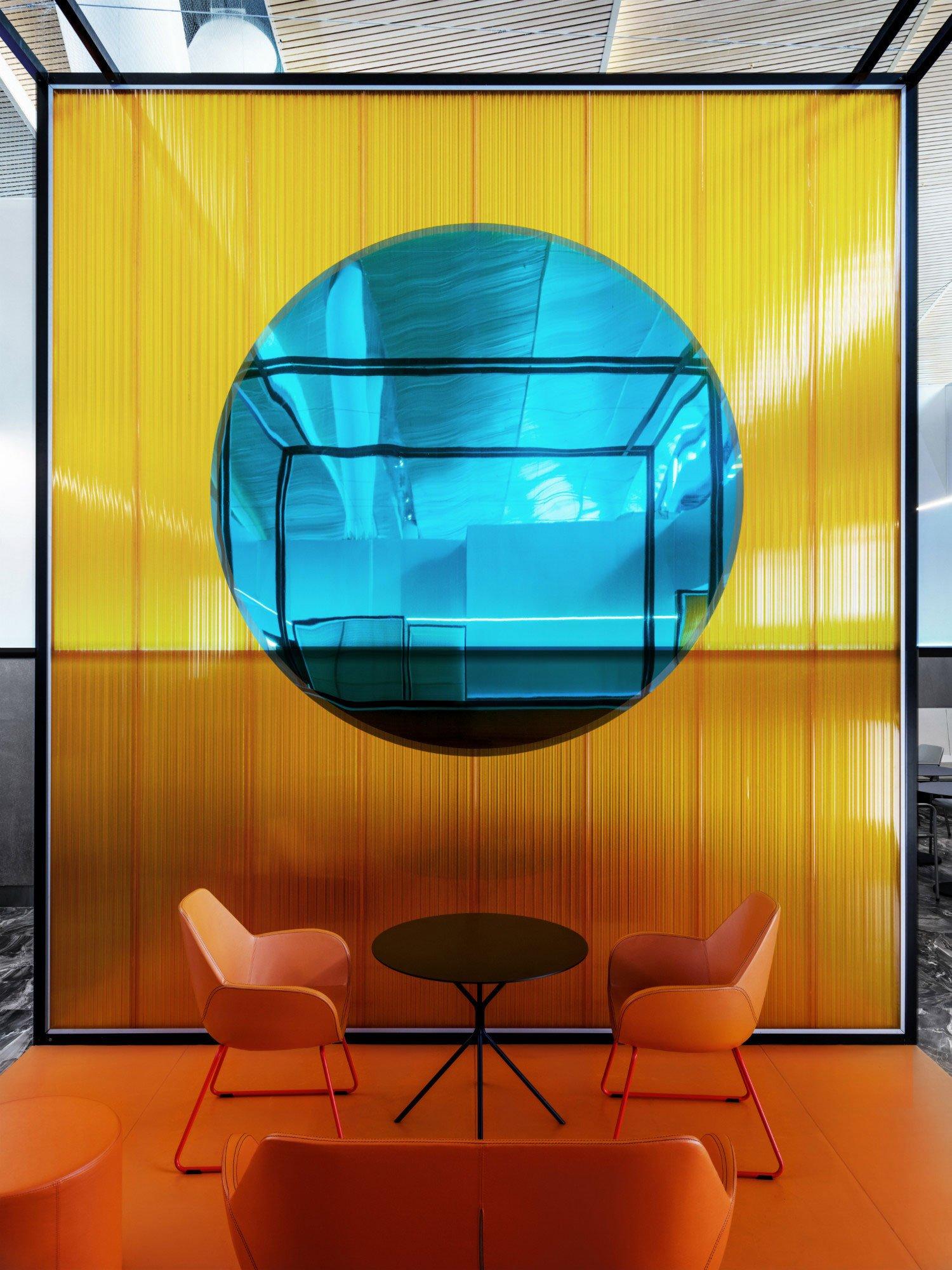 Lounge am Airport Platov von VOX Architects