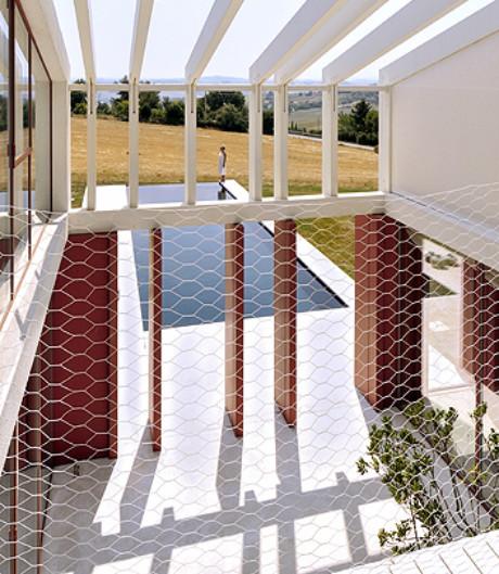 Luftiges Wohnhaus für grenzenlose Entfaltung von Simone Subissati Architects