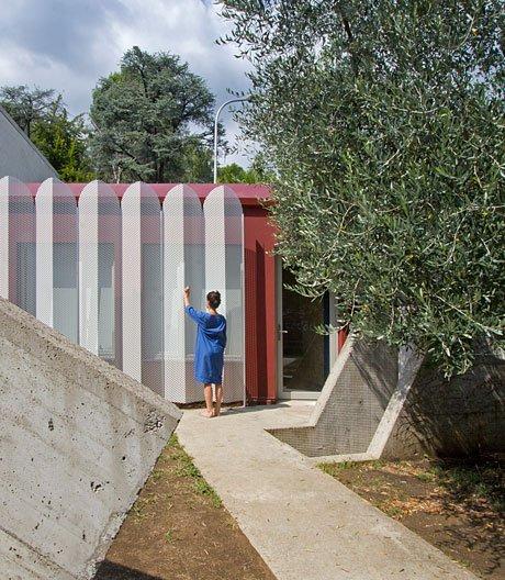 In Bergamo entwirft Francesca Perani ein eklektizistisches Gartenhaus
