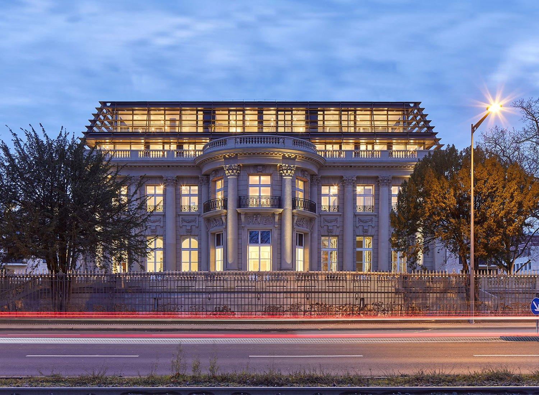 Moderner Villenumbau von Renner Hainke Wirth Zirn Architekten