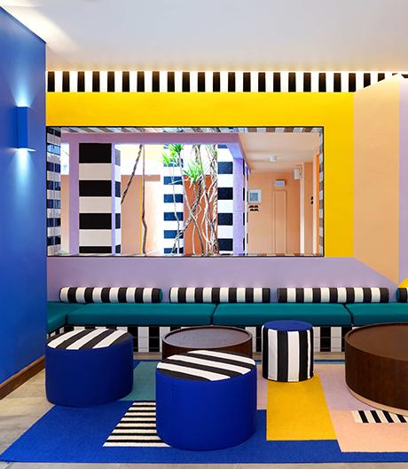 Tropicalia-Stil trifft Dazzle-Design: Tropen-Hotel von Camille Walala.