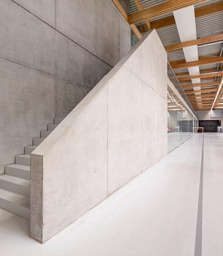 Brunners Gebäudehybrid in Rheinau von Henn Architekten