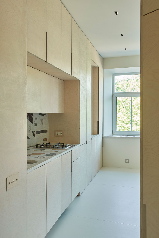 Umbau einer Altbauwohnung in Vilnius von ŠA Atelier