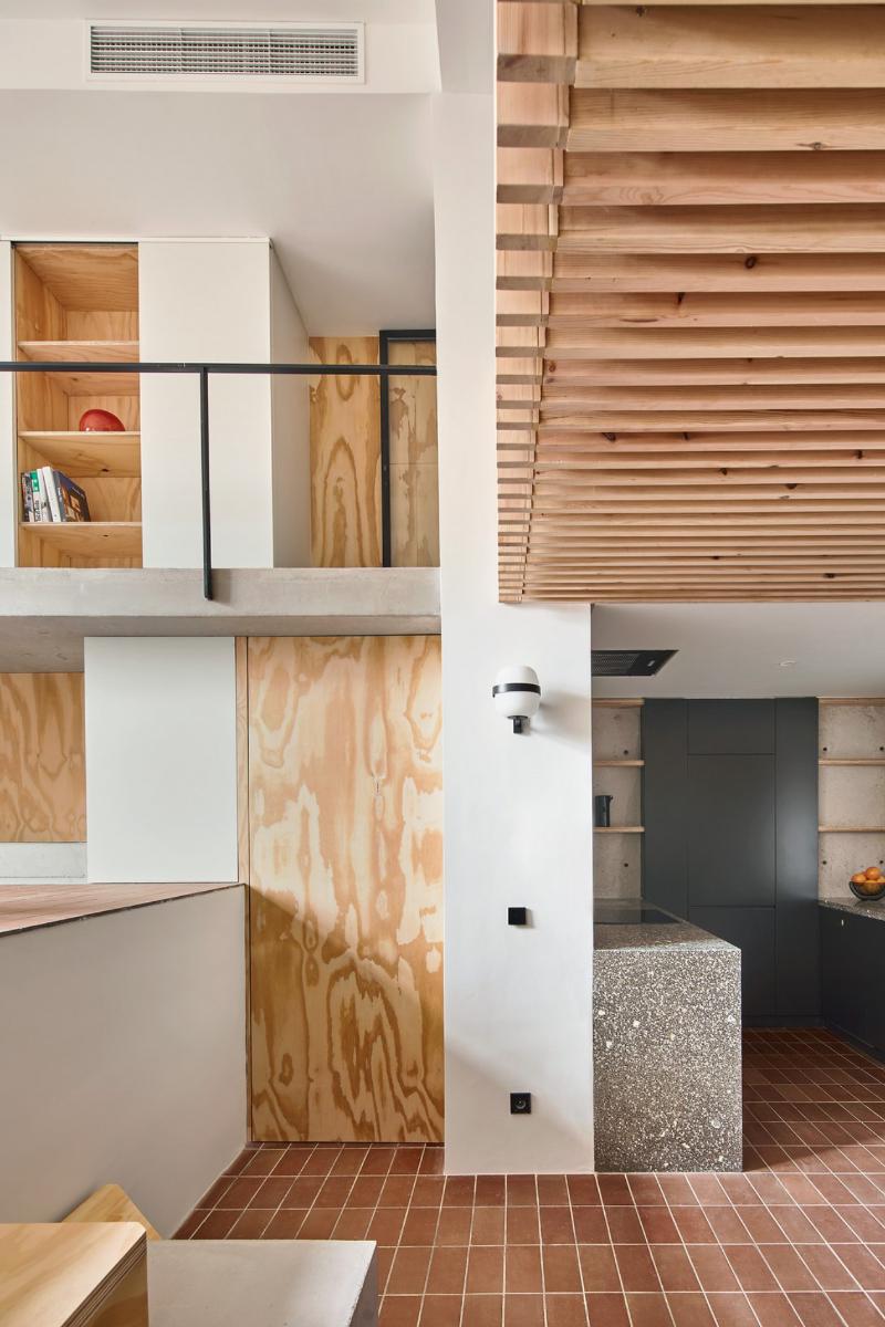 Umbau eines maroden Altbaus von Studio Mas-aqui in Barcelona