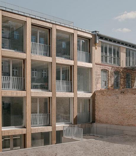 Lichtdurchflutete Remise von Jan Wiese Architekten
