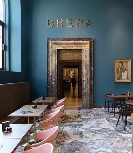 Der frühere Eingangsbereich der Pinacoteca di Brera ist ein Café geworden.