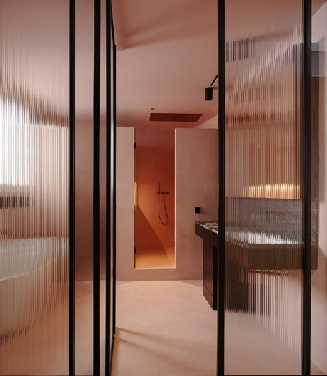 Raúl Sanchez plant eine Wohnung mit dem Badezimmer als Zentrum