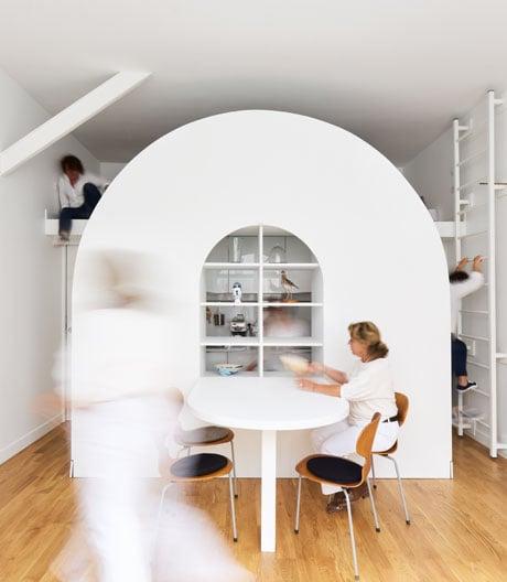 Multifunktionsmöbel und Innenarchitektur von Freaks Architecture in Paris