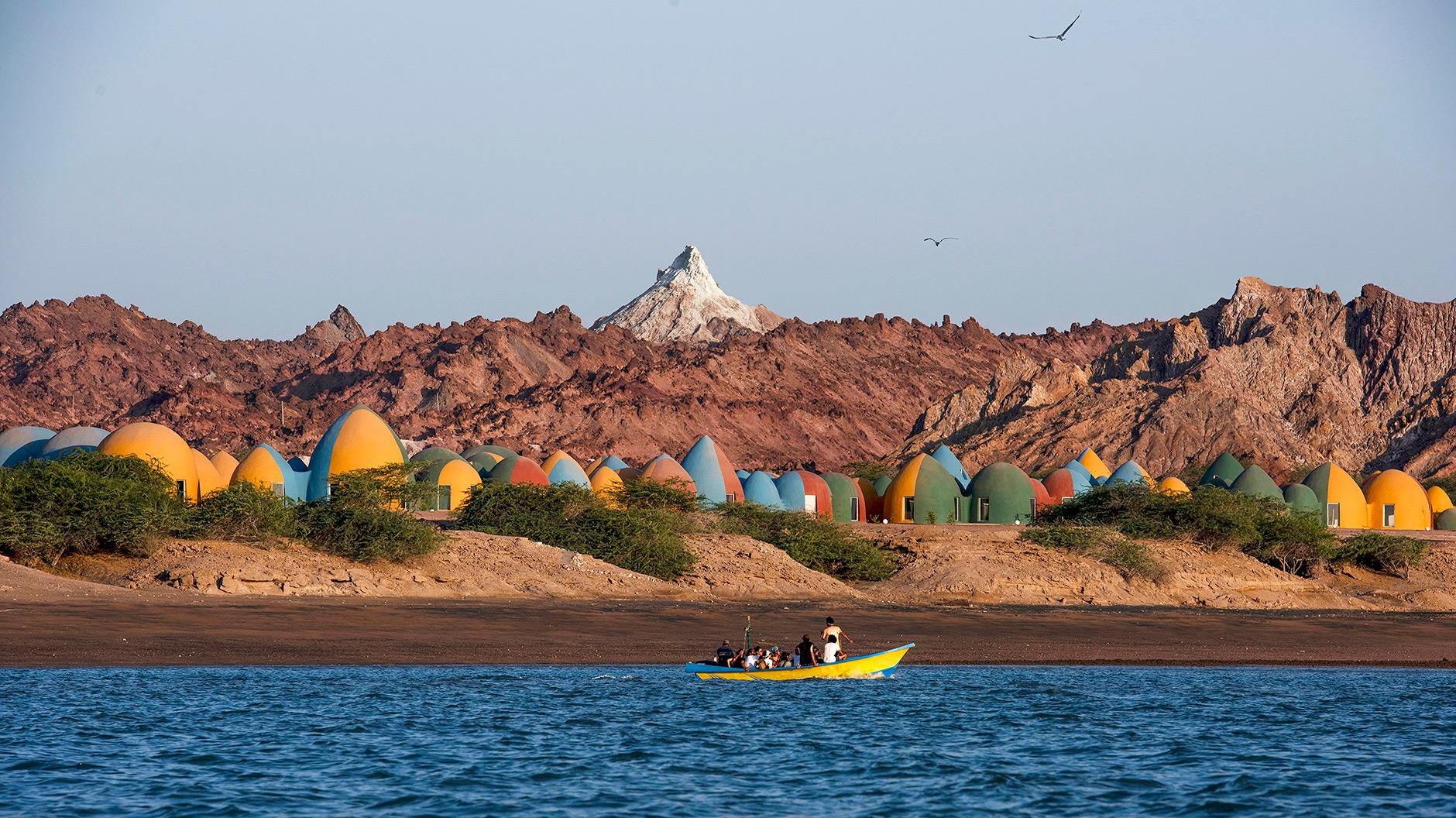 Eine Touristensiedlung im Persischen Golf von ZAV Architects