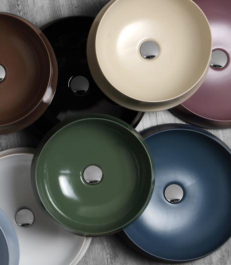 Schluss mit Monotonie und Kälte: Sanitärprodukte und Fliesen locken mit sinnlichen Farben und Mustern.