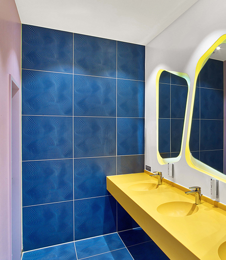 Fliesen mit 3D-Effekt in einem Hotelprojekt von Karim Rashid