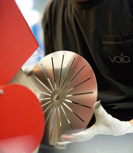 Made in Denmark: hochwertige handgebürstete Armaturen von Vola.
