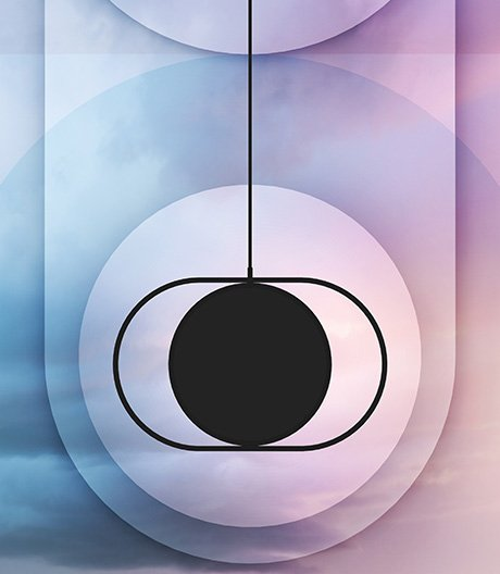 Lässt den Mond aufgehen: akrobatische Lichtdisk von Elina Ulvio.