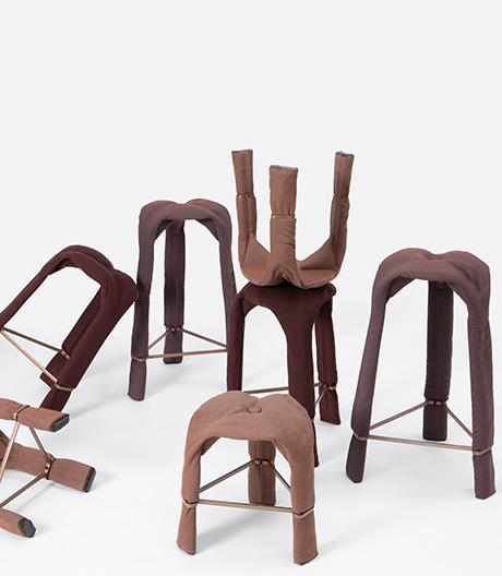 Erhitzt, fixiert, erstarrt: ungewöhnlich produzierte Hocker von Zhekai Zhang.
