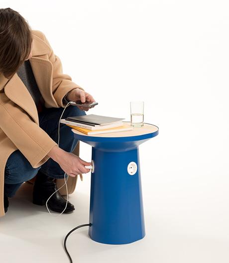 Assistent unter Strom: Martha Schwindling hat einen Tisch mit Steckdosen entworfen.
